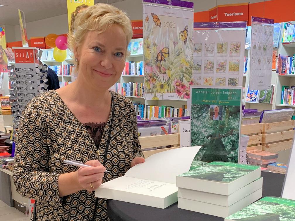 Petra Van Gansen - wachten op een knipoog